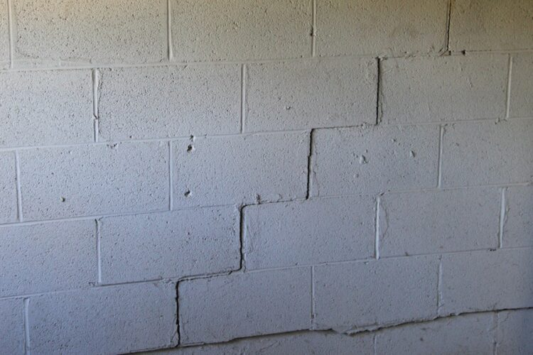 Common Types Of Wall Cracks